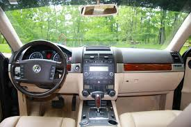 volkswagen touareg interior 2004 volkswagen touareg information and photos zombiedrive