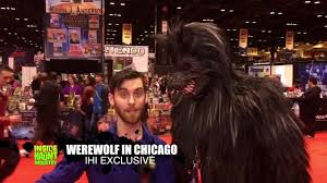 spirit halloween chewbacca werewolf in chicago c2e2 2016 amazing cosplay costume