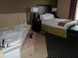 Comfort Suites Ennis Texas Jacuzzi Room Picture Of Holiday Inn Express Hotel U0026 Suites Ennis