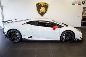 how to own a lamborghini aventador this is lamborghini s own aero package for the huracan autoevolution