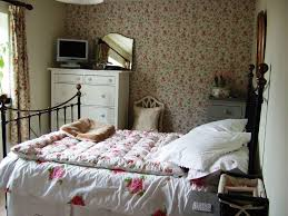 Shabby Chic Bedroom Accessories Uk Modern Chic Bedroom Ideas Definition Orig Design Meaning In Hindi