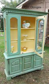 Vintage Cabinet Revamp by Best 25 Vintage Hutch Ideas On Pinterest Painted Hutch