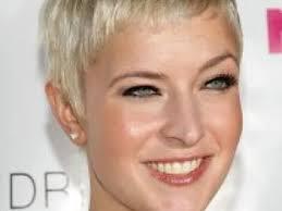 coupe de cheveux blond coiffure femme cheveux courts blonds par coiffurefemme