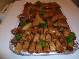 cuisine africaine mélange de cigare aux fromage et de pyramide de viande hachée ma