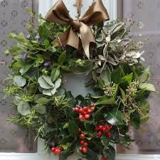 10 best wreaths to make and buy decorator s notebook