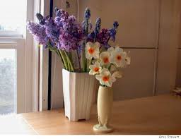 Flower Arrangements In Vases A Year Round Source For Cut Flowers Author Amy Stewart Says