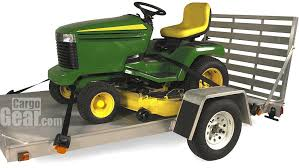 cargo buckle on trailer with mower