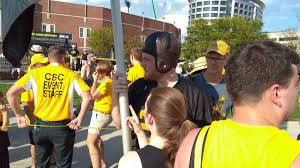 Iowa Hawkeyes Flag Few Hawkeye Fans More Passionate Than This Guy Don Doxsie