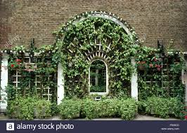 arched trellis stock photos u0026 arched trellis stock images alamy