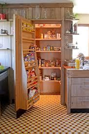 cellier cuisine un chaleureux atelier culinaire cuisine chêne massif carreaux