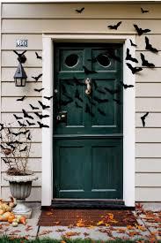 country halloween decorations halloween door decorating ideas frighteningly fabulous