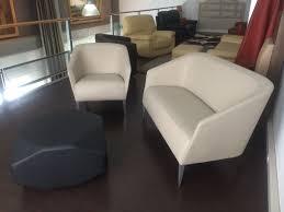 tout petit canapé ensemble canapé et fauteuil peu encombrant l album photo des