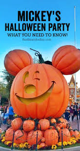 mickey s halloween party 2017 disneyland mickey u0027s halloween party and what you need to know the disney