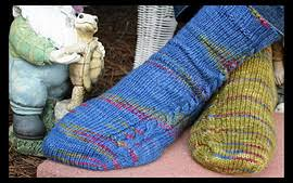 knitting pattern for socks using circular needles a great simple toe up pattern for travel knitting pattern is