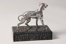 dog sculpture forwood design