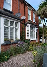 the 25 best small front garden ideas on a budget uk ideas on