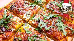 cuisiner une pizza recette fastgoodcuisine une pizza 100 maison
