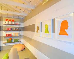 wohnideen dunklem grund ideen für wand streifen ein beliebtes designelement zuhause