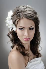 Hochsteckfrisurenen Russische by Hochsteckfrisur Bei Der Braut Mit Blumen Für Russische Hochzeiten
