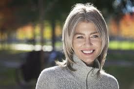 coupe cheveux gris j assume mes cheveux gris en beauté 3 astuces naturelles