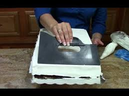 cake decorating how to ice a 1 2 sheet cake in butter cream youtube