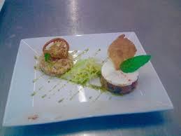 cuisine et maison tartare de légumes et taboulet de céréales ร ปถ ายของ la maison