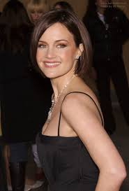 tucked behind the ear haircuts carla gugino classic bob hairstyle with one side tucked behind