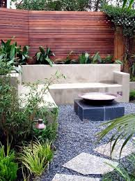 Small Walled Garden Ideas Screening Fence Or Garden Wall 102 Ideas For Garden Design