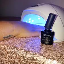 cure nail polish with uv l how to achieve a glitter gel manicure at home astoldbymika com