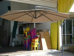 Cantilever Umbrella Toronto by Furniture Brown Walmart Patio Umbrella With Elegant Stand For