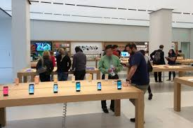 Barnes And Noble Clarendon Photos Clarendon Apple Store Reopens Arlnow Com