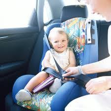 reglementation siege auto enfant sécurité enfant les sièges auto pas toujours adaptés aux bambins
