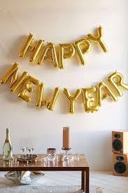New Year S Eve Wall Decorations by How To Create A Beautifully Simple New Year U0027s Eve Party