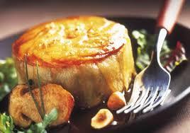 cuisiner cuisse de canard confite gâteau de pommes de terre au confit et au foie gras de canard