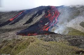 volcano erupts on la reunion where u0027mh370 debris u0027 washed up