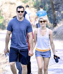 julianne hough engagement ring julianne hough is engaged gorgeous ring from laich