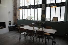 cuisine dans loft table de cuisine loft photos de design d intérieur et décoration