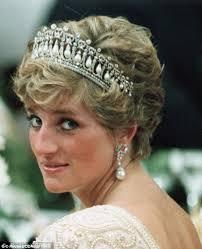 kate middleton wedding tiara kate middleton wears diana s favourite knot tiara for dipolomatic