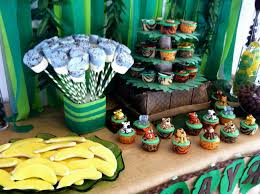 safari themed baby shower ideas yummy banana cake cute monkey