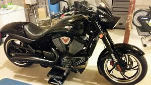 jack lifting on motor bottom case victory motorcycles