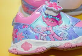trolls light up shoes trolls sneakers sz 9 nwt light up shoes new