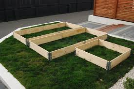 Elevated Front Yard Landscaping - ways on how to build a raised garden bed front yard landscaping