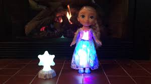 disney frozen northern lights elsa music and light up dress disney frozen northern lights elsa by jakks pacific youtube