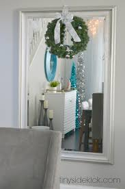White Christmas House Decor by Come On In Christmas Home Tour 2014