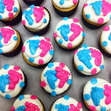 lola pearl bake shoppe gender reveal cupcakes