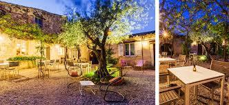 chambres d hotes en provence séjour romantique proche d avignon dans une chambre d hote