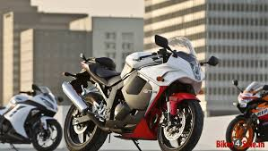 honda cbr latest model price kawasaki ninja 300 vs honda cbr 250r vs hyosung gt250r vs ktm duke