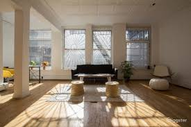 rent bright spacious loft with gallery and great room event space