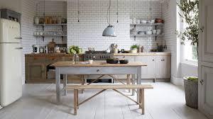 cuisine retro photo cuisine retro awesome meubles en bois et ilot central gris