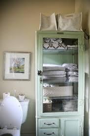 Vintage Bathroom Cabinet 25 Best Ideas About Vintage Bathroom Vanities On Pinterest